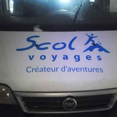 Marquages véhicule de Scol Voyages